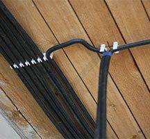 Монтаж кабеля в гофре на третьем этаже